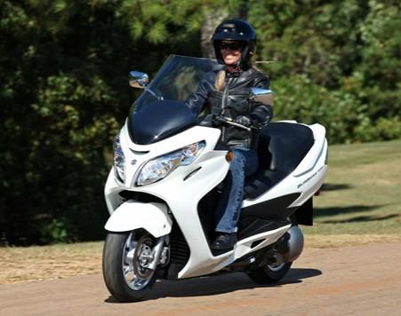 suzuki-burgman-400-scooter-2009-1.jpg