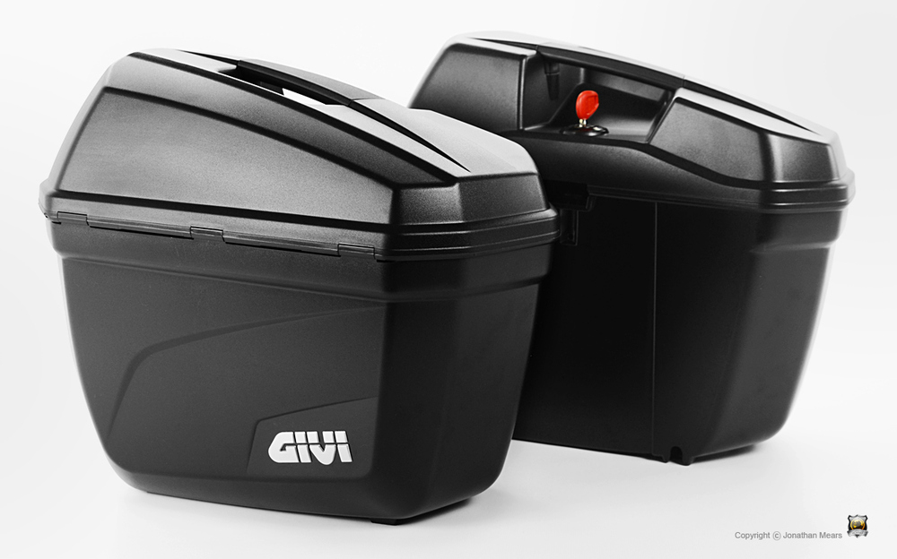 givi_E22_side_cases_L.thumb.jpg.08aab119004cd3203bf840c632d97bd8.jpg