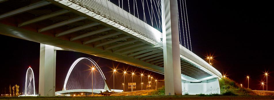 Santiago Calatrava most u Reggio Emilia.jpg