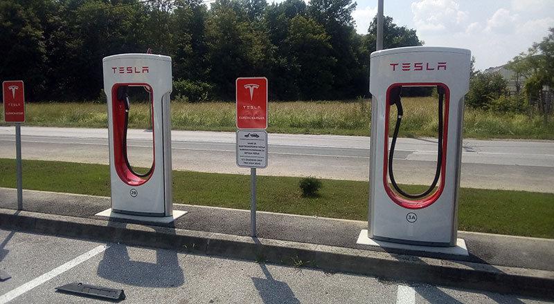 357-Tesla.jpg.c8208841050a1059629a8db3e4df12ae.jpg