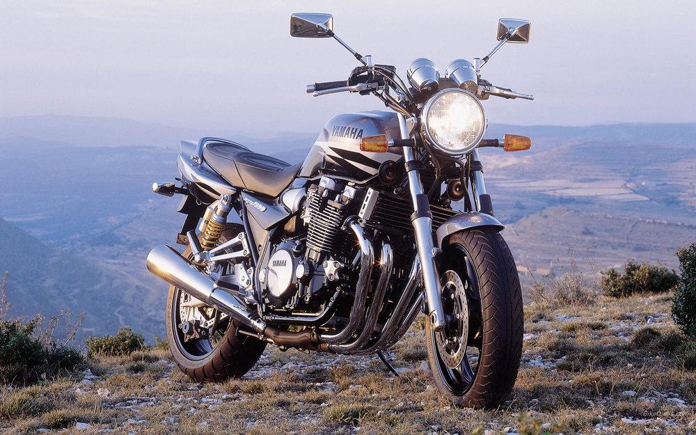 Yamaha__XJR1300_2002_02_1920x1200.jpg