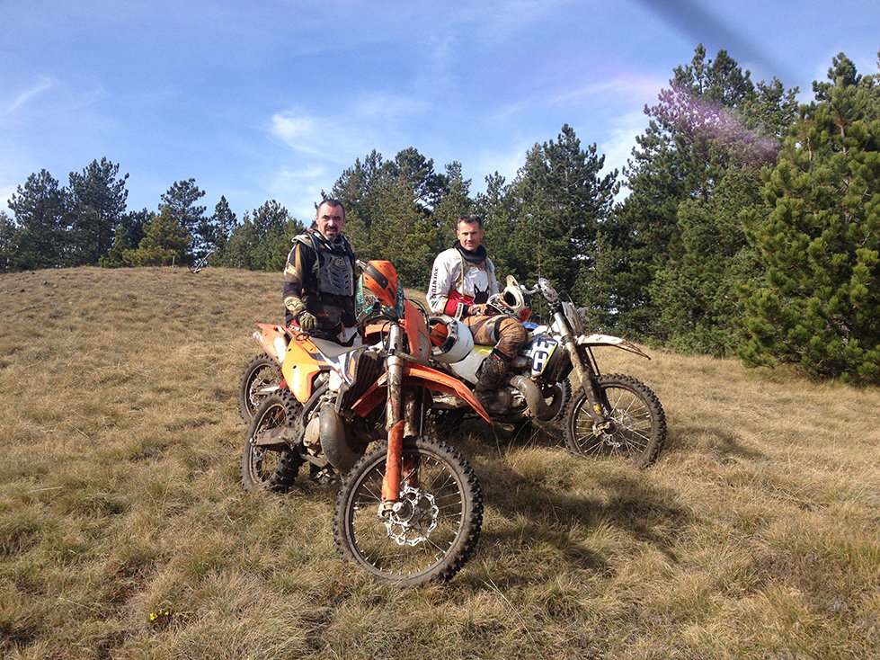 SECTOR-ENDURO-REST-IN-MOUNTAINS-1.jpg