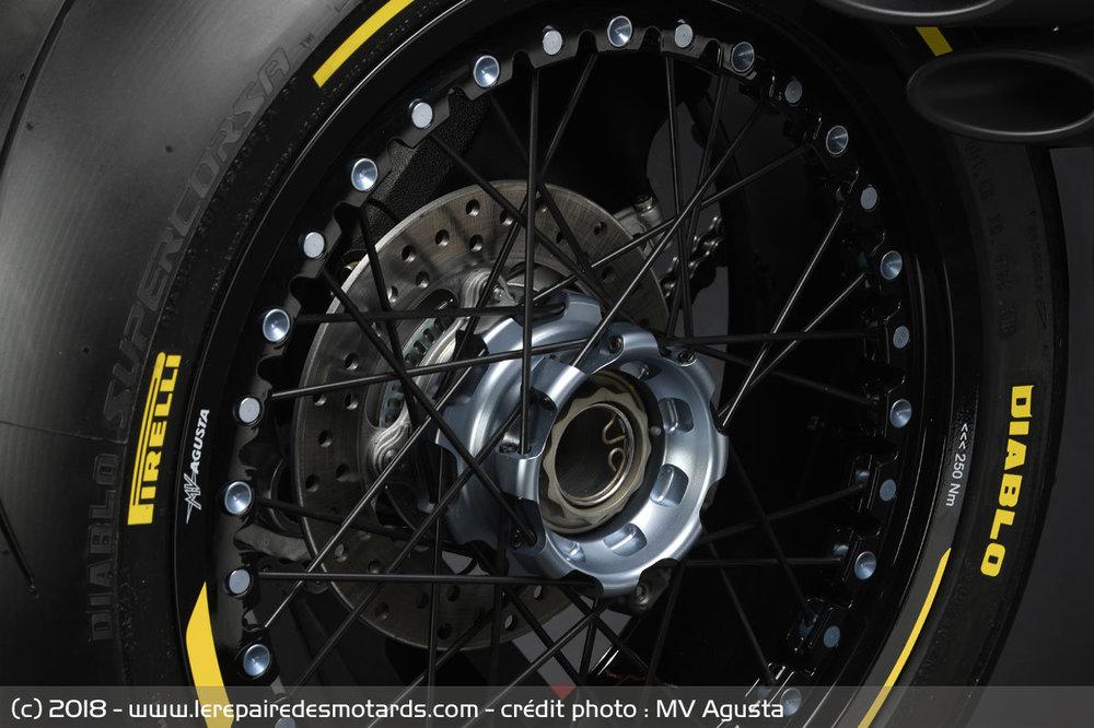 mv-agusta-dragster-800-rr-pirelli-roue_hd.thumb.jpg.ae0d86e3bc95eb9a8452de57f4d043ac.jpg