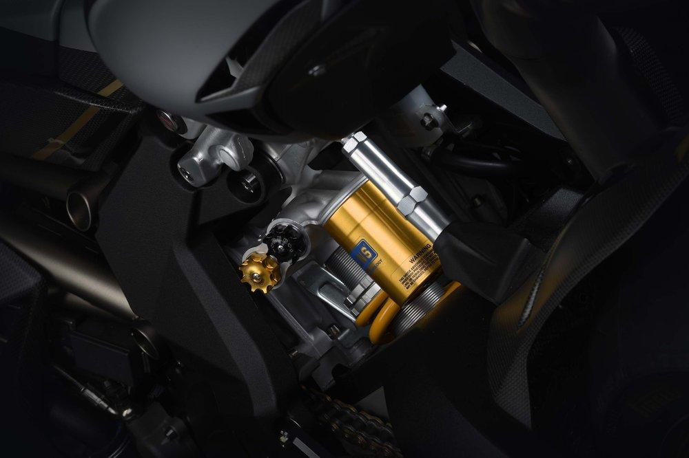 MV-Agusta-F4-Claudio-35.thumb.jpg.6c10f603ee3380e5154f0f1a43d73ca1.jpg