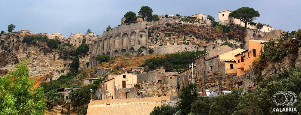 GERACE-Veduta-del-centro-storico--(1)1.thumb.jpg.bcad2ae38328deb279723a00fd55b7b3.jpg